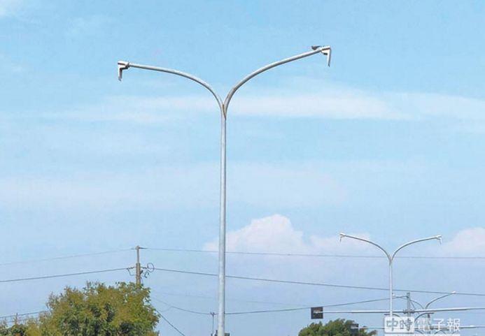 疑太亮扰作物 LED路灯遭破坏塑料蝶阀
